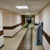Холл КВД 1 туалеты и детское отделение КВД 1 в конце коридора.
